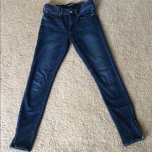 Express jeans with size zipper